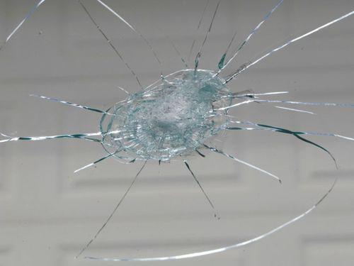 Как клеить лобовое стекло?
