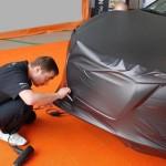 Как клеить карбоновую пленку на авто