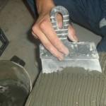 Какая должна быть толщина плиточного клея при укладке плитки