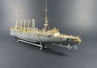 Пластиковая модель корабля